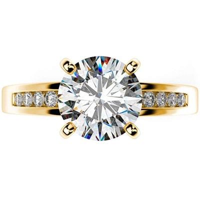 Zásnubný prsteň s postrannými diamantmi zo žltého zlata