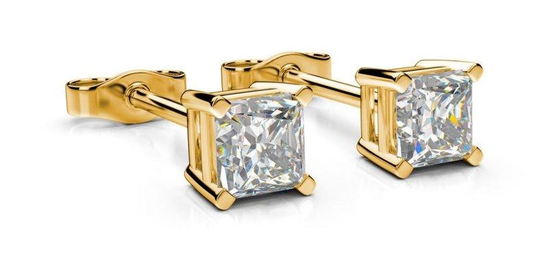 diamantové kôstkové náušnice zo žltého zlata s jedným diamantom v tvare princess