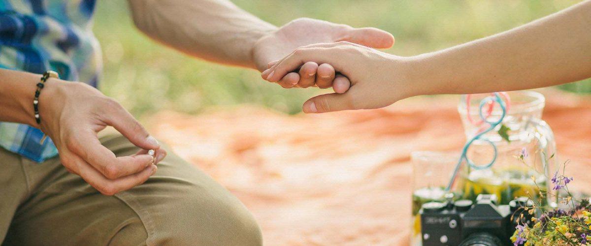 Ako požiadať o ruku a čomu sa pri žiadosti radšej vyhnúť